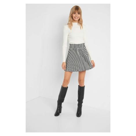 Rozkloszowana spódnica mini Orsay