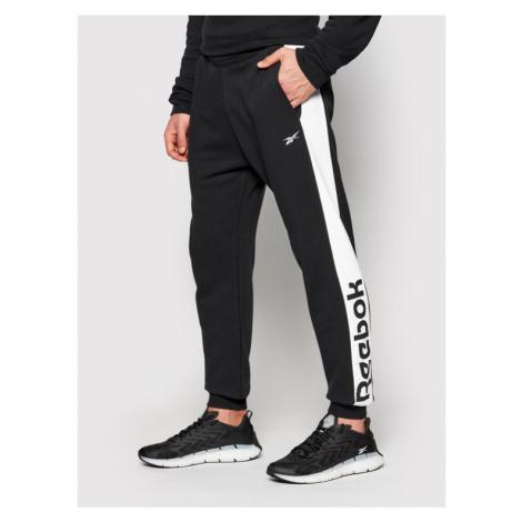 Reebok Spodnie dresowe Essentials Linear Logo GI8526 Czarny Regular Fit
