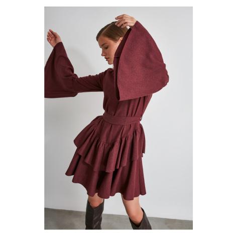 Suknia z pasem modnym Burgundii Trendyol
