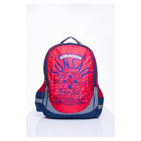 Czerwony plecak szkolny z motywem żeglarskim