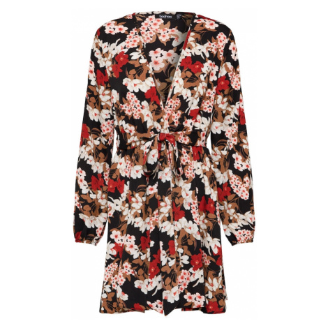 Boohoo Sukienka 'Floral Self' czarny / jasnoczerwony / różowy pudrowy