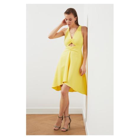 Trendyol Żółty kołnierzyk Szczegółowa sukienka