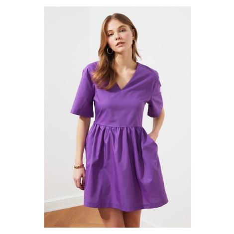 Suknia z dekoltem w serek Trendyol Purple Pocket