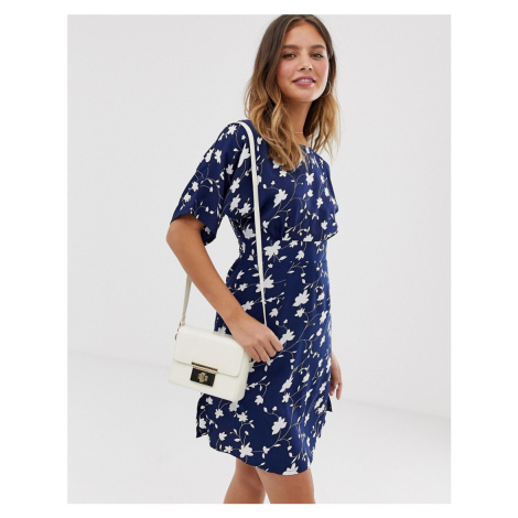 Yumi shift dress with waist panel detail in daisy print