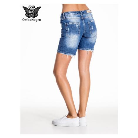 Niebieskie dżinsowe szorty z długą nogawką i otarciami