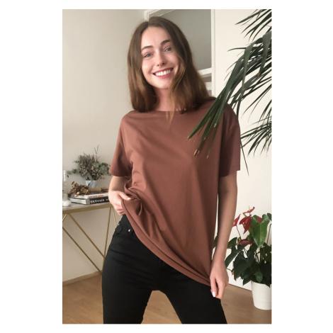 Trendyol Brown 100% Cotton Semanfa Kbed Collar Boyfriend Knitted T-Shirt