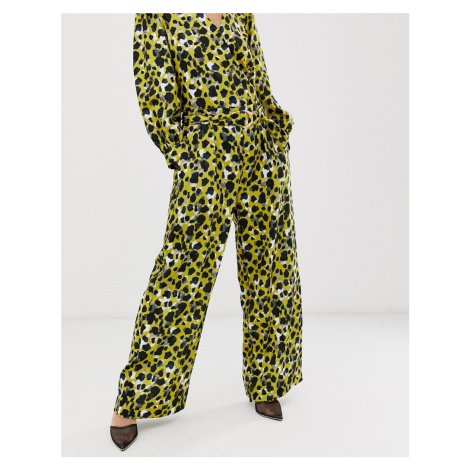 Closet paperbag trousers in lime print