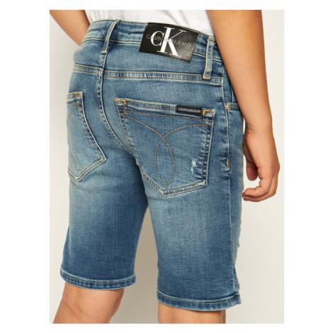 Calvin Klein Jeans Szorty jeansowe Gleam Blue Destructed Denim IB0IB00417 Niebieski Slim Fit