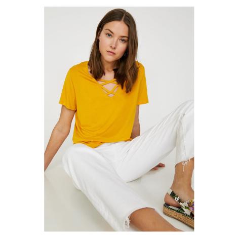 Koton Damska żółta koszulka z krótkim rękawem z dekoltem w serek