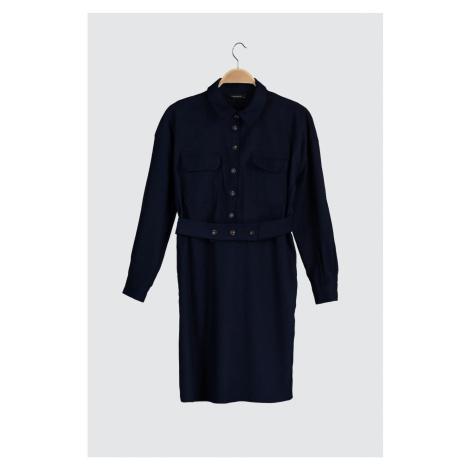 Modyol Indigo Pocket Szczegółowa aksamitna sukienka Trendyol