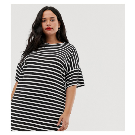 Boohoo Plus basic t-shirt dress in stripe