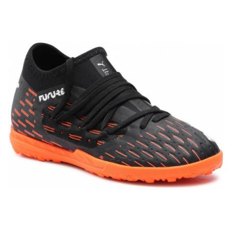 Czarne buty do piłki nożnej