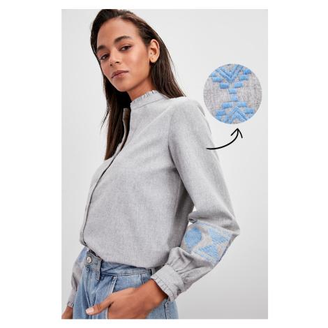 Koszulka damska Trendyol Embroidered