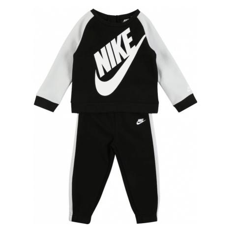 Nike Sportswear Strój do biegania 'OVERSIZED FUTURA CREW SET' czarny