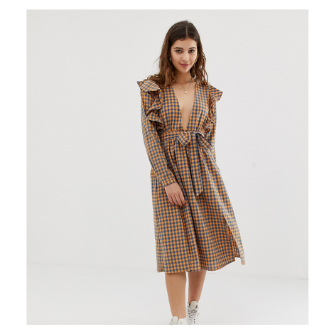 Glamorous midi dress with ruffle shoulders in gingham