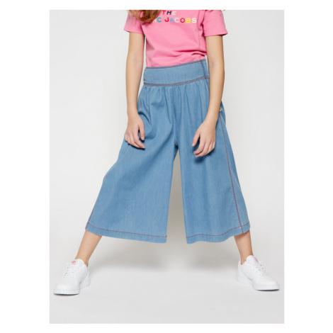 Niebieskie dziewczęce jeansy