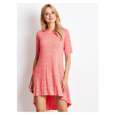 Czerwona sukienka z melanżu z dłuższym tyłem