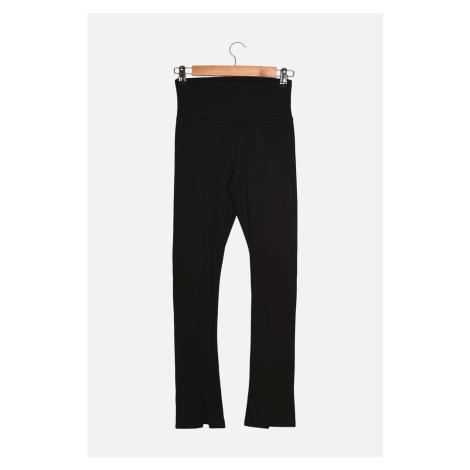 Trendyol Black Slit Szczegółowe legginsy z dzianiny