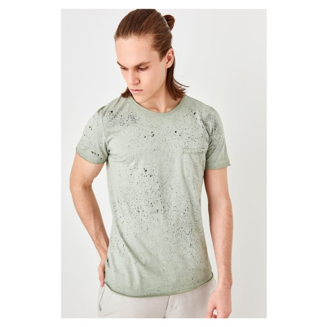 Trendyol Green male oil washed pocket T-shirt
