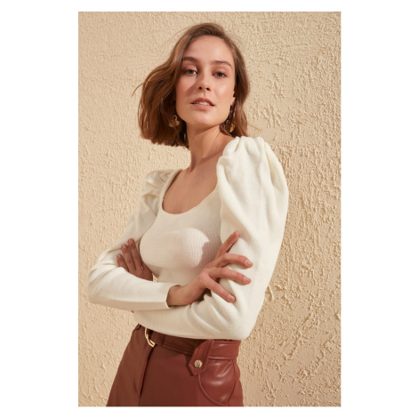 Trendyol Ecru Squirm Detailed Square Collar Knitwear Sweater