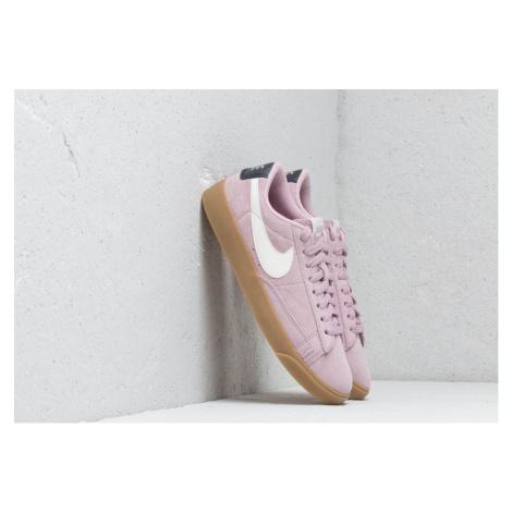 Nike W Blazer Low Sd Plum Chalk/ Sail-Oil Grey-Gum Light Brown