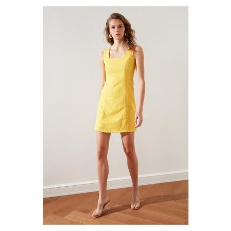 Suknia Trendyol Yellow Brode