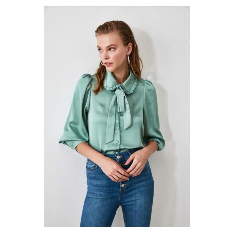 Women's shirt Trendyol Collar detailed