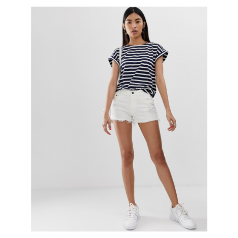 Pieces Gabi staight cut raw hem denim shorts