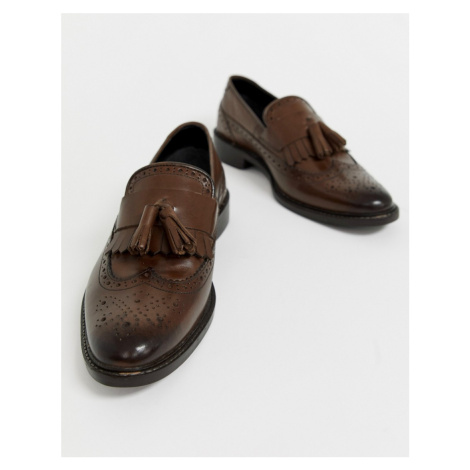 ASOS DESIGN loafers in brown leather with natural sole and fringe detail
