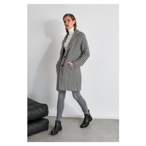Trendyol Black Goose Foot ButtonEd-Up Stamp Coat