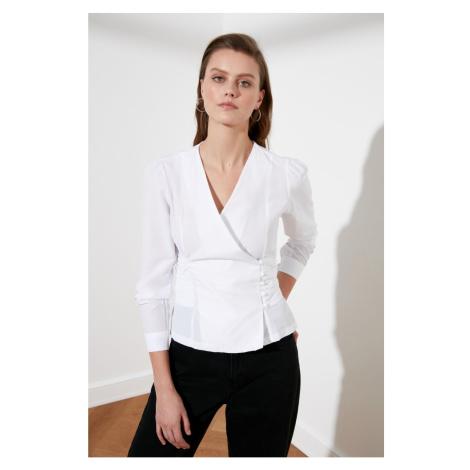 Bluzka z białego rejsu Trendyol