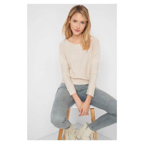 Sweter o nietoperzowym kroju Orsay