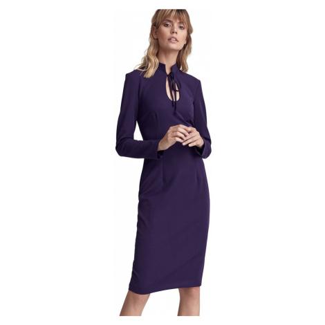 Sukienka ze stójką i dekoltem typu łezka Colett
