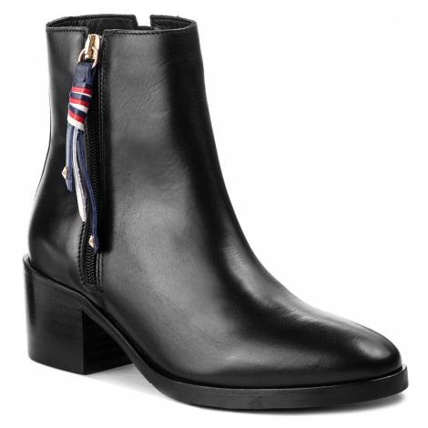 Botki TOMMY HILFIGER - Corporate Tassel Mid FW0FW03430 Black 990