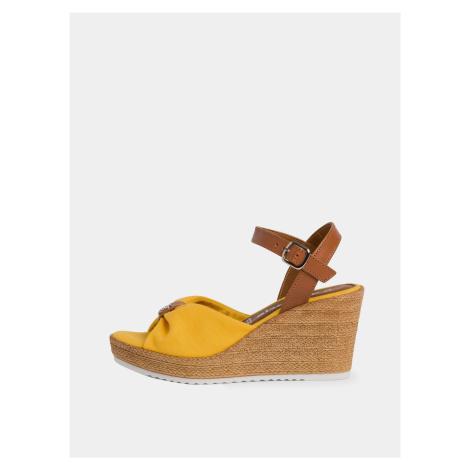 Tamaris żółte buty na koturnie
