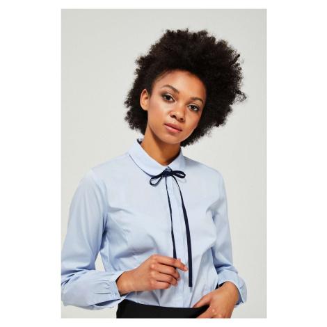 Moodo jasno niebieska zapinana koszula z wiązaniem
