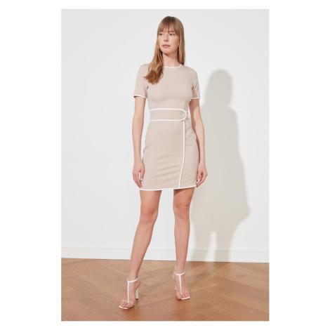 Suknia z paskiem trendyol mink