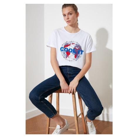 Modyol Biały t-shirt z dzianiny z nadrukiem półpasowanym Trendyol