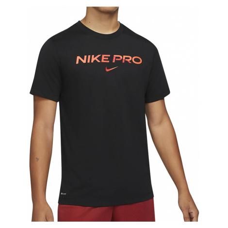 Nike Pro > DA1587-010