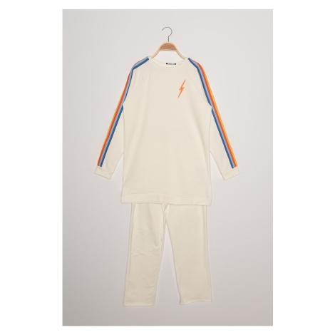 Trendyol Ecru Color-Blocked Track Suit