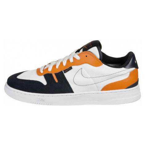 Nike Sportswear Trampki niskie 'SQUASH-TYPE' biały / pomarańczowy / niebieska noc