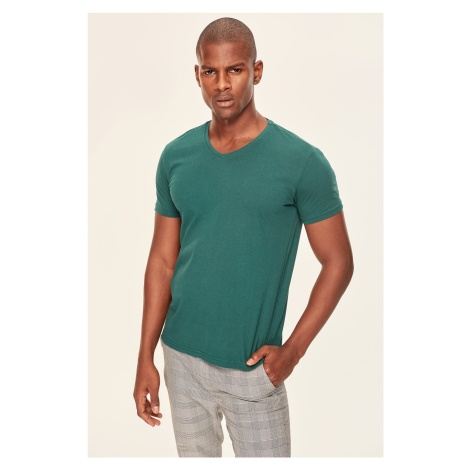 Trendyol Duck Head Men's Basic T-shirt-Green Cotton V-neck