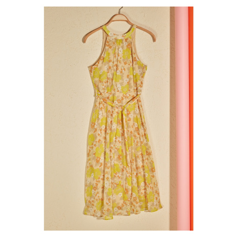 Trendyol Żółty pas kwiatowy wzorzysty halter szyi line sukienka
