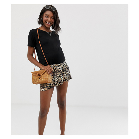 ASOS DESIGN Maternity under the bump plisse short in leopard print