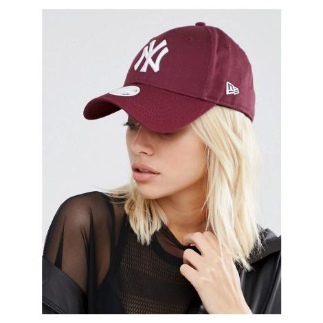 New Era 9 Forty NY Cap in Berry