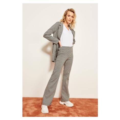 Trendyol Gray-Patterned Knit Pants
