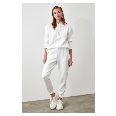 Spodnie dresowe damskie Trendyol Basic
