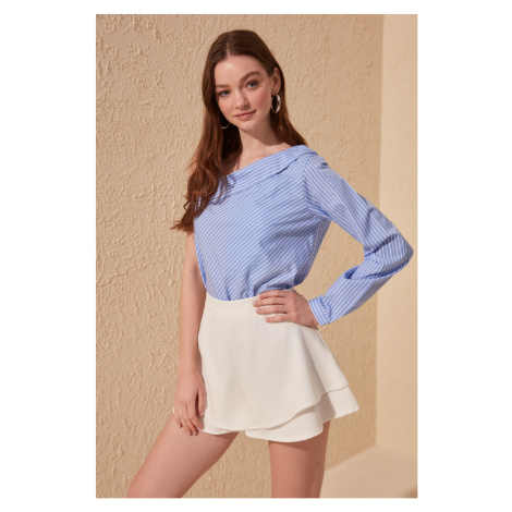 Women's shorts Trendyol Skirt-Looking Shorts