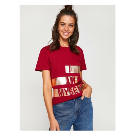 Koton Damska Burgundowa koszulka z krótkim rękawem z krótkim rękawem
