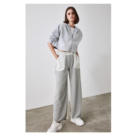 Trendyol Grey Hooded Crop Knitted Sweatshirt